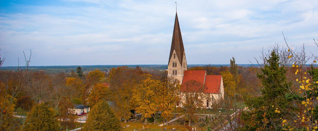 KyrkA Klinte kyrka höst kyrka