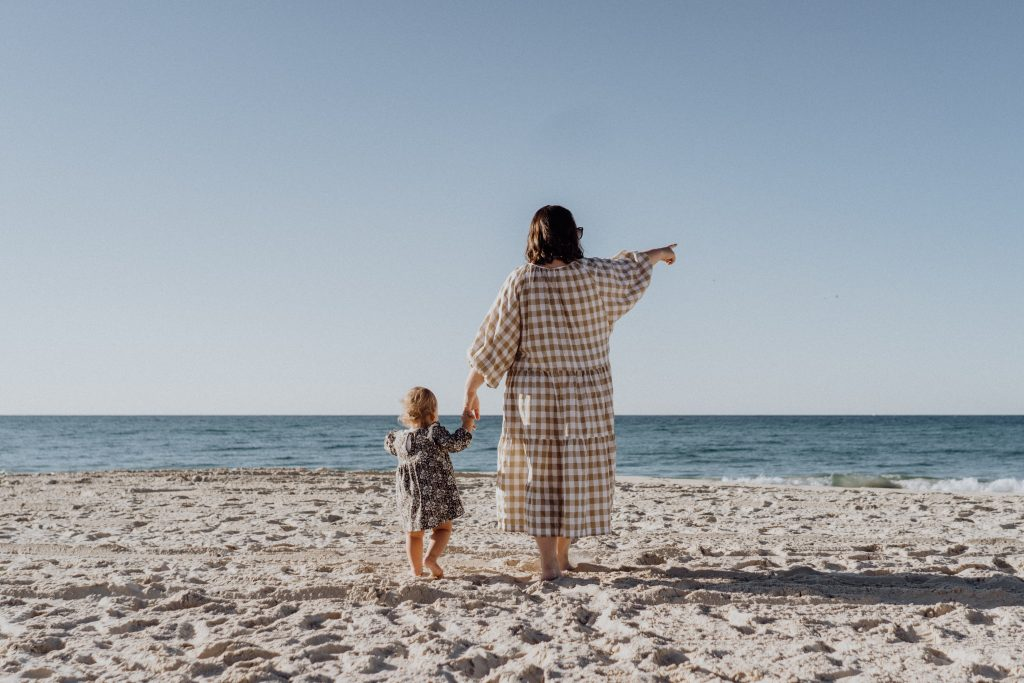 KyrkA kvinna barn ledighet vila